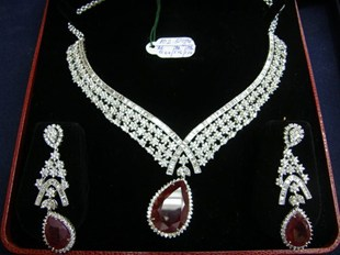 Karwa Chauth Gifts for Wife